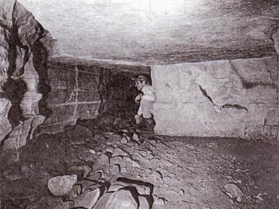 Gastón Fernández inside the Tayos Cave, 1969